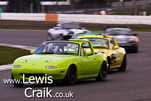 Leading the pack round Luffield - Ma5da Racing Test